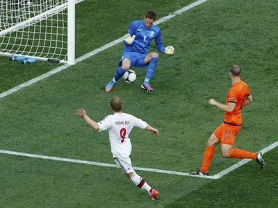 Дания неожиданно обыграла Голландию