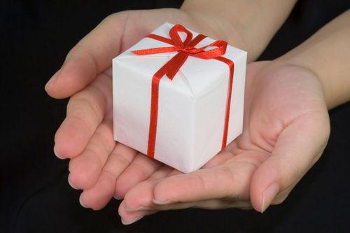 В 2011 г. в Интернете купили подарков на 31 млрд $